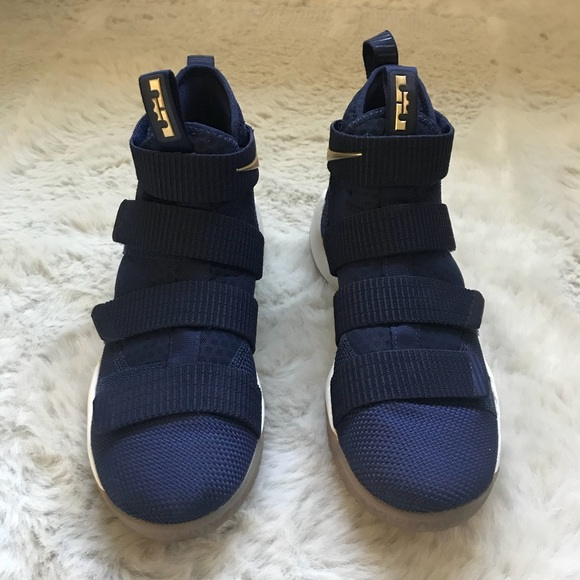 brand new 01257 a31ec Nike Lebron James Soldier 11 Sneakers